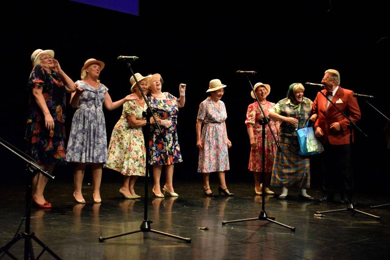 Kabaret Seniorów Szpilka na podium