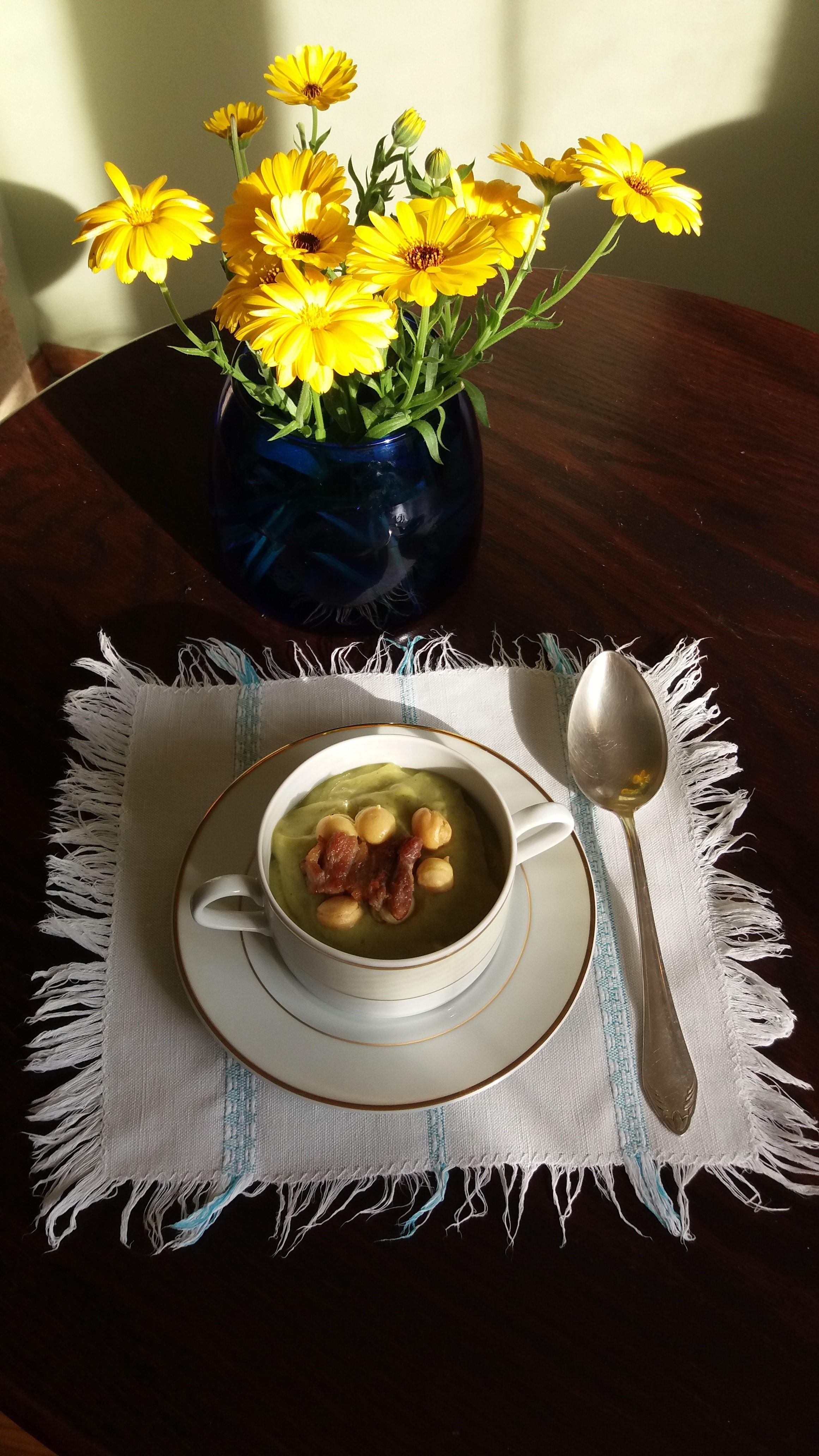 Zupa estońska z cukinii