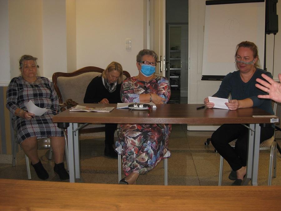 Członkowie Łomżyńskiej Rady Seniorów- strona Propozycji- fot. M. Romanowska