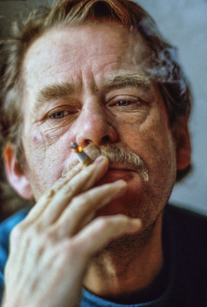 Dissident Vaclav Havel at home in Prague 1987, Photo: Chris Niedenthal