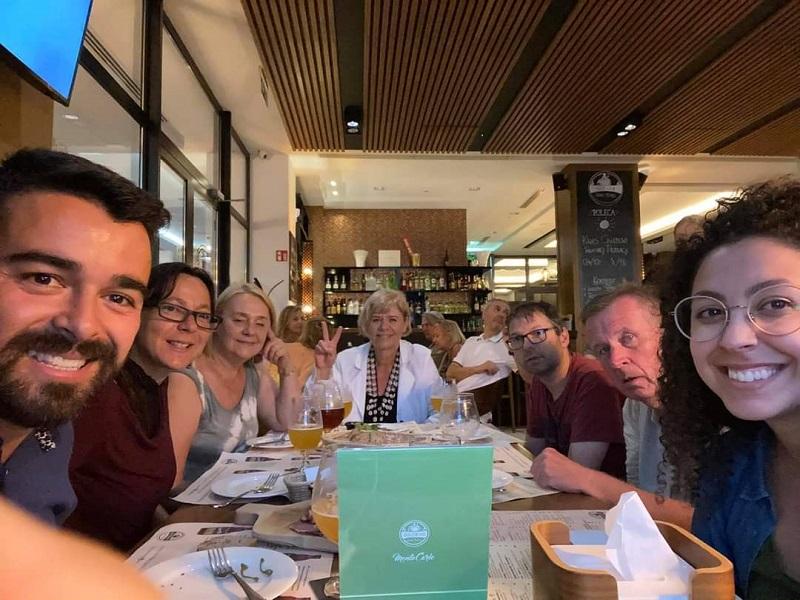 Uczestnicy projektu w restauracji