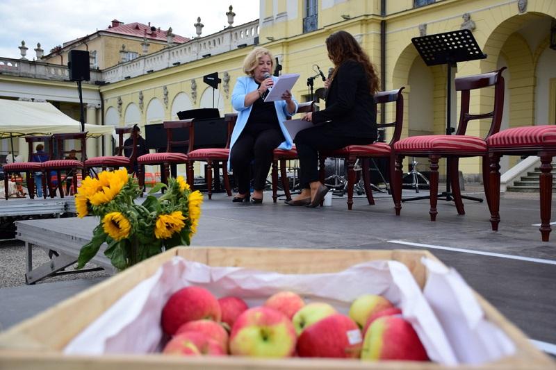 Beata Zadykowicz i Izabela Dąbrowska czytają fragment Moralności pani Dulskiej